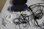 PSP Sony bleu avec ces acessoirs