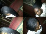 Coiffeuse africaine propose ses talents