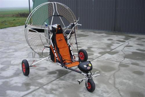 paramoteur sur chariot monoplace als birdy  u00e0  u00c9pernay
